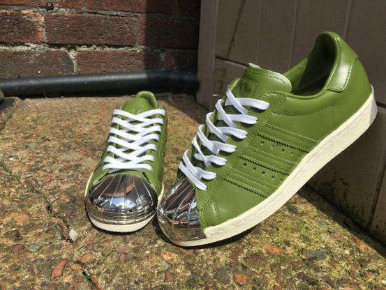 comprare avocado adidas superstar degli anni '80 321.267 cachi 80 metal la adidas superstar