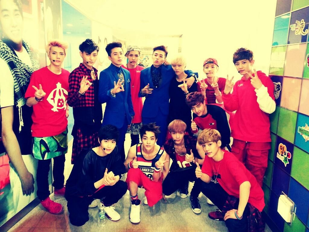 Tasty Twins and EXO