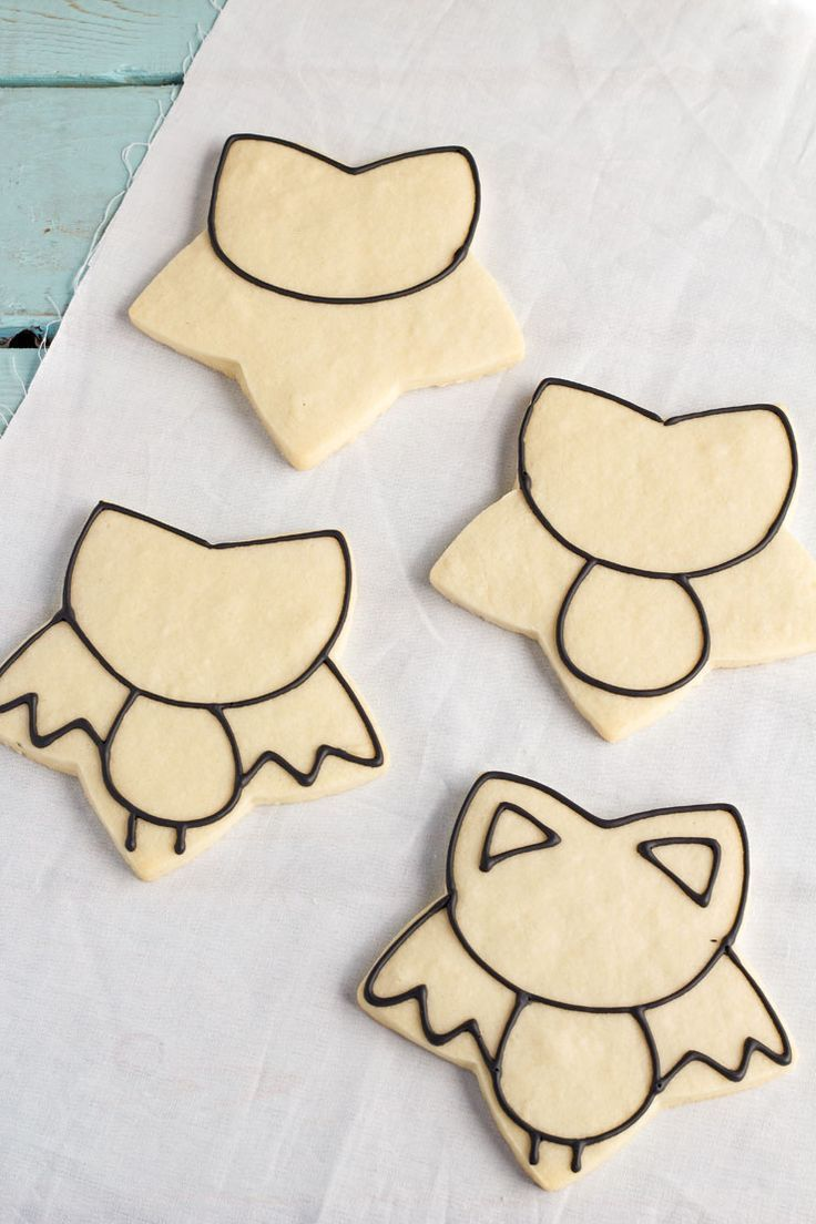 Bat Cookies for Halloween | The Bearfoot Baker