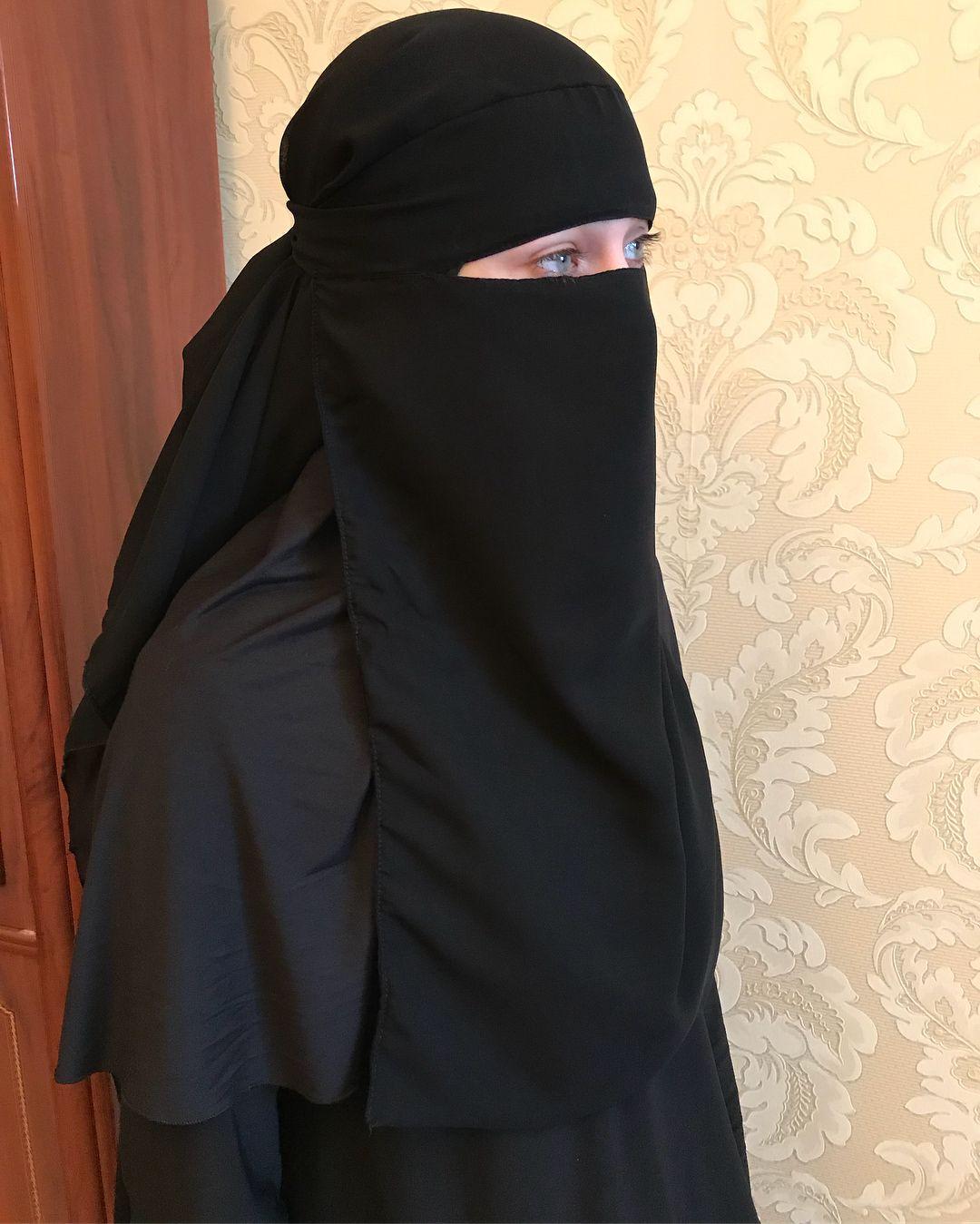 Работа для девушки в платке девушки модели в светлый