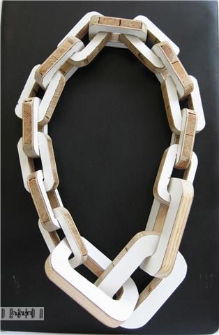 Göran Kling - No title necklace (wood, laminated, ca 60 cm)
