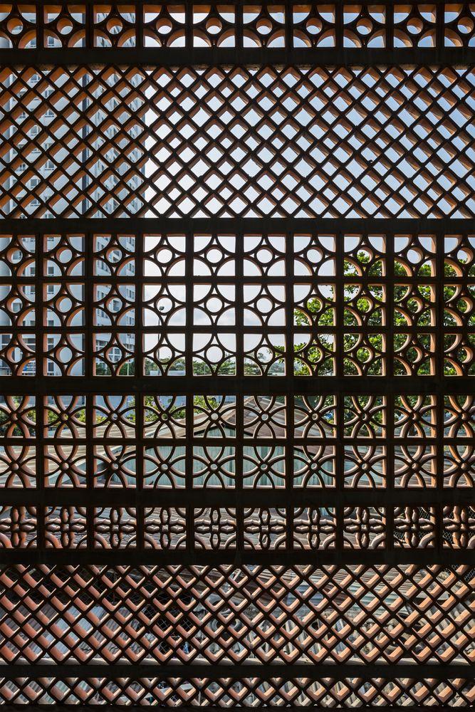 Gallery Of Apartment In Binh Thanh Sanuki Daisuke Architects 35 In 2020 Sanuki Architect Facade Design