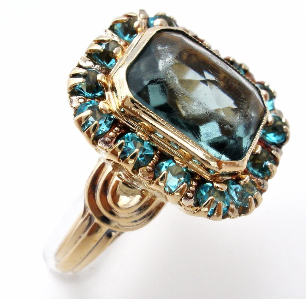 Psco 10k Yellow Gold Blue Topaz Ring 2 9 Grams Vintage Lady Amp 039 S Gemstone Jewelry Jewelry Amp Wat Blue Topaz Ring Vintage Gold Rings Gemstone Jewelry