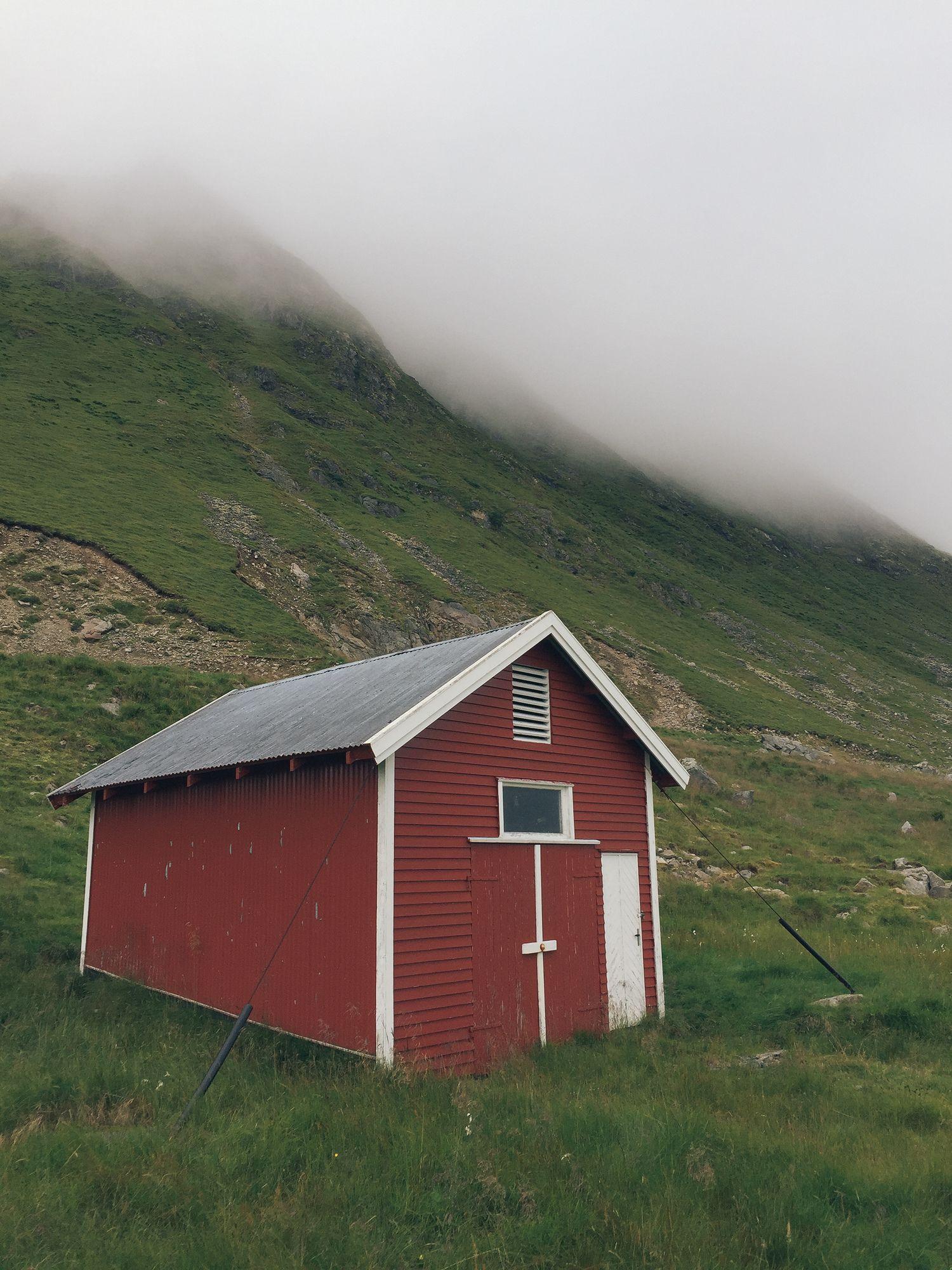 Magnificent Ryten Kvalvika Beach Norway Cozy Cabins Cozy Interior Design Ideas Truasarkarijobsexamcom
