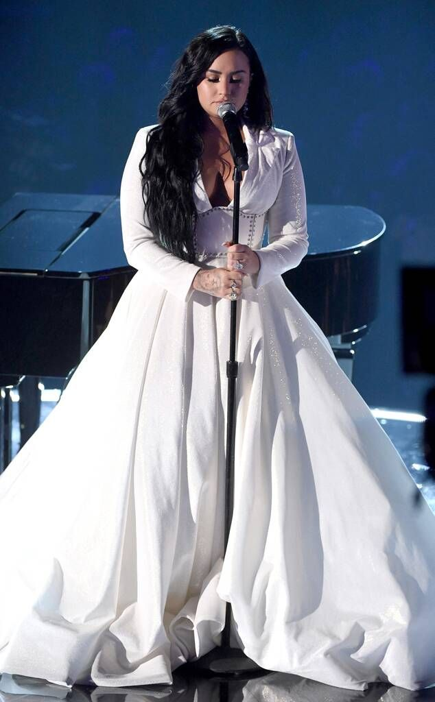 Demi Lovato S Song Anyone Is An Important Reminder To Check In On The People You Love Femestella In 2020 Demi Lovato Style Grammy Dresses Demi Lovato