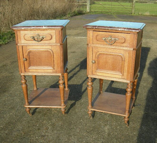 Antique Pair Bedside Cupboards - 19th Century Pair Of Oak Pot Cupboards  With Sienna Marble Tops - Antique Pair Bedside Cupboards - 19th Century Pair Of Oak Pot