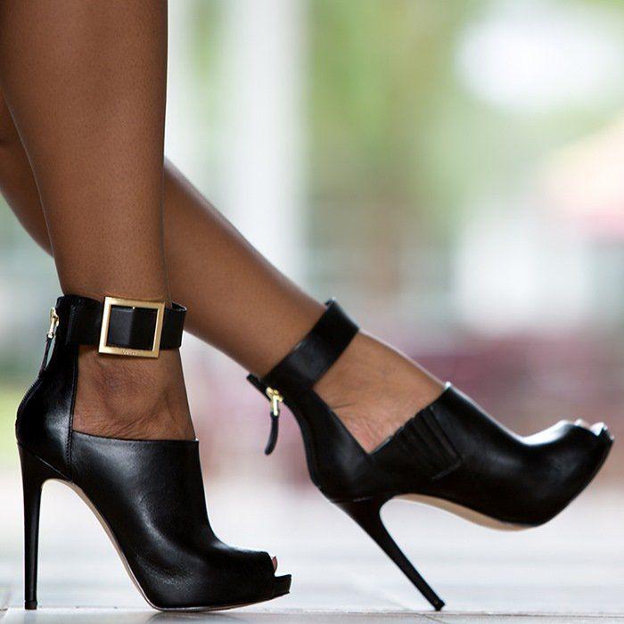 GUESS Shilvy Platform Heels