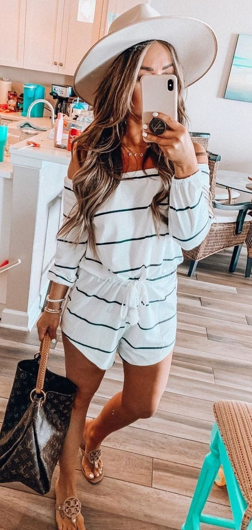 30 Pretty Summer Outfits you Must to Try in Holiday