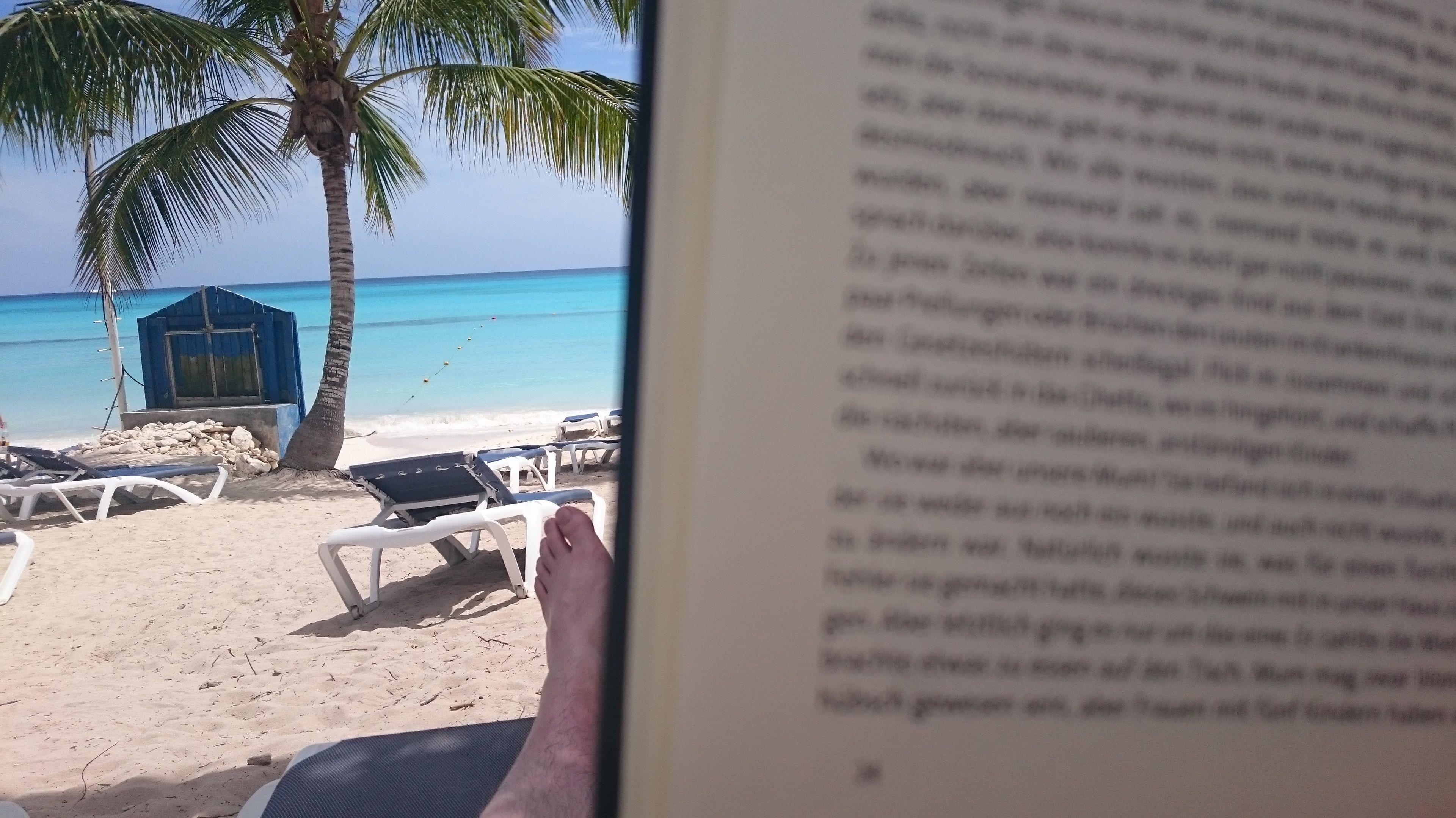 Schöner All-Inclusive Urlaub an einem traumhaften Strand in der Dominikanischen Republik Bayahibe Karibik. Entspannt am Strand bei einem guten Buch relaxen. Gönnen Sie sich eine Auszeit und erholen Sie sich in der Dominikanischen Republik, genauer in Bayahibe. Selten eine so schöne Urlaubsregion genießen dürfen. Empfehlenswert!