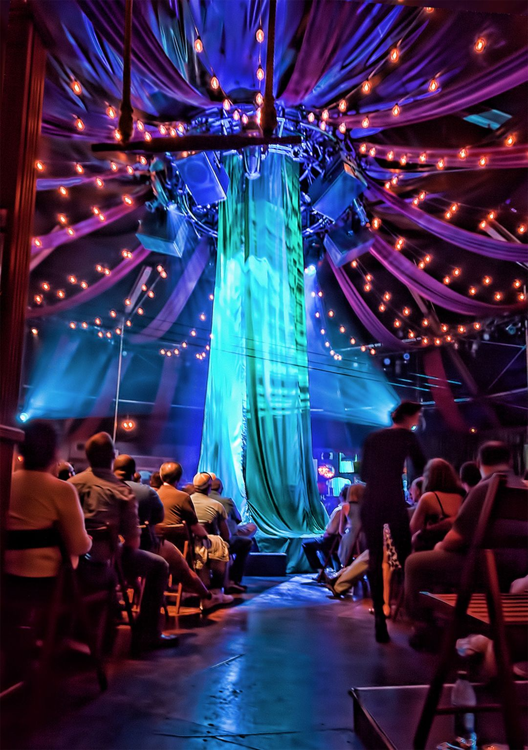 Absinthe Of Las Vegas An Absolutely Amazing Show We Saw On Our Honeymoon Las Vegas Vacation Vegas Vacation Vegas Trip