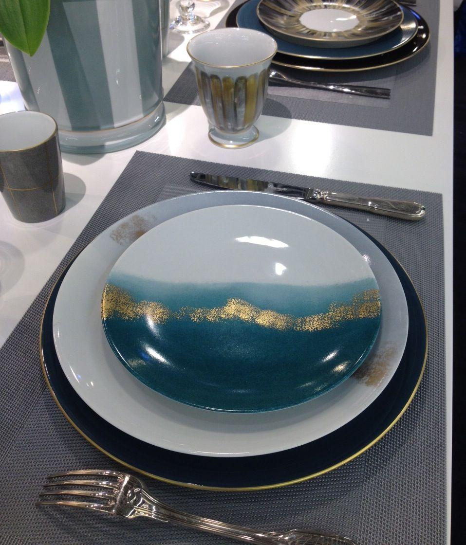 Blue table, Marie Daage Horizon, Porcelaine de Limoges peint à la main