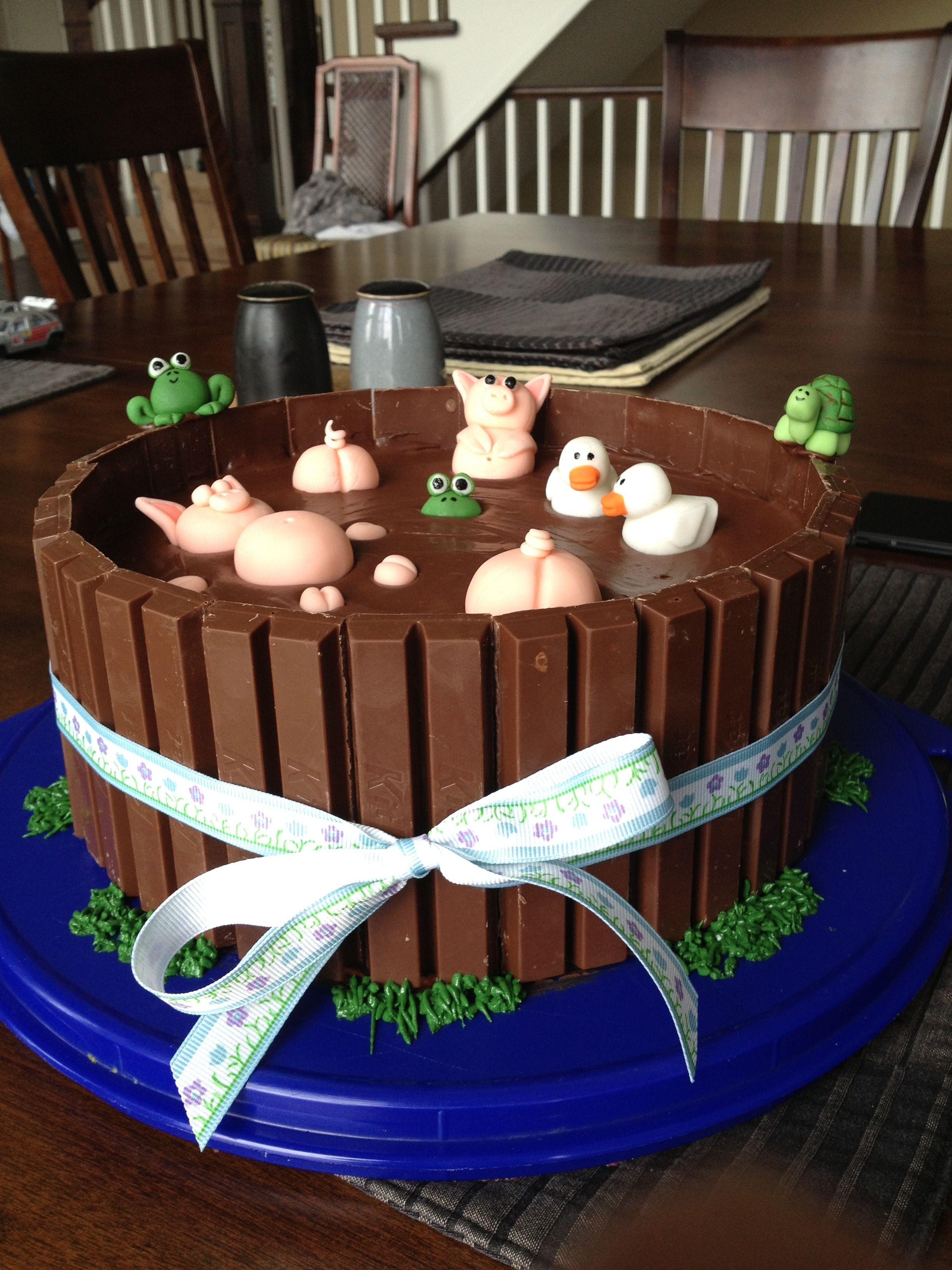 Farm Animals In Mud Bath Cake