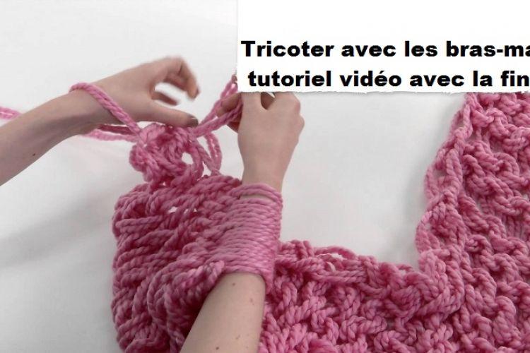 tricoter une charpe tube avec les bras mains tutoriel. Black Bedroom Furniture Sets. Home Design Ideas