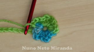 "alt = ""tie flower, crochet tutorial, step by step instructions, with flower bead crochet"""