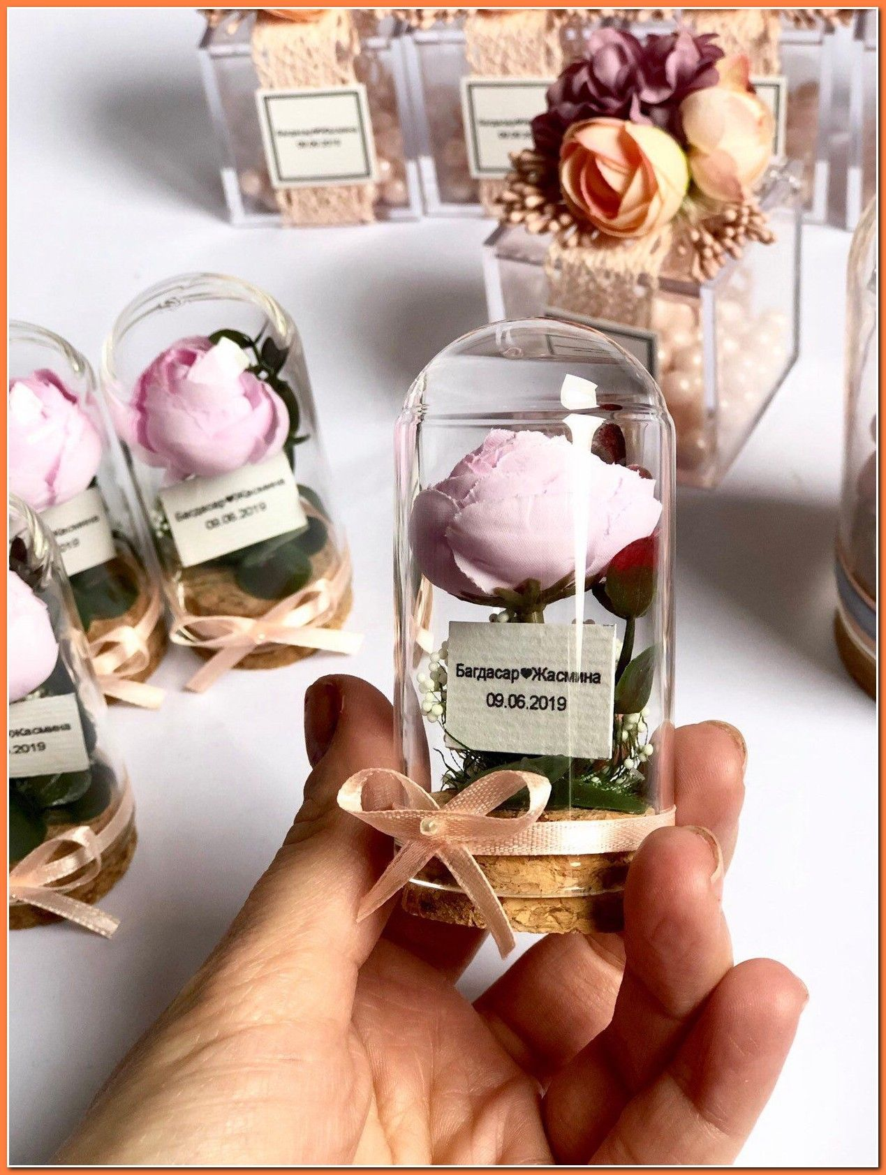 Unique Wedding Favors To Fit Any Budget Whether You Re Looking For Extravagant Or Cheap Wedd In 2020 Wedding Favors For Guests Diy Wedding Favors Bridal Shower Favors