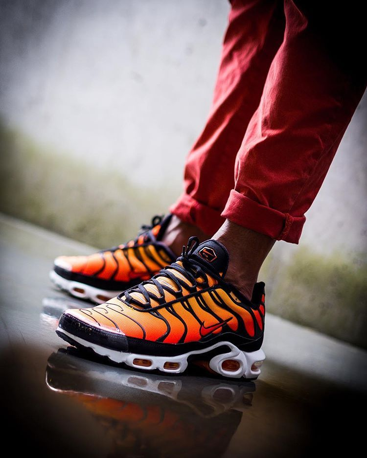 nike tn orange tiger