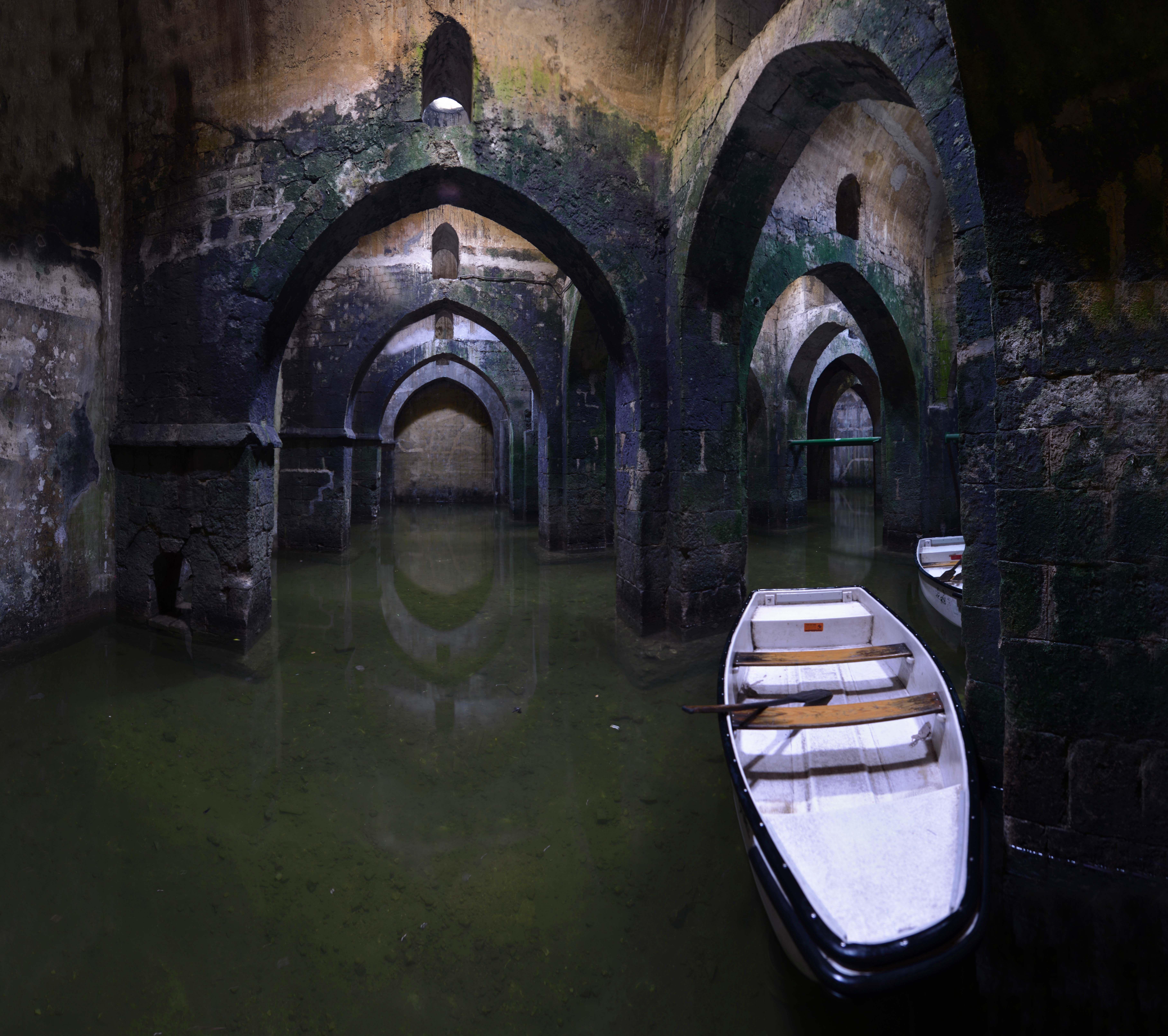 Lost Places Hunsr�ck: Ramle's 8th Century Underground Cisterns.