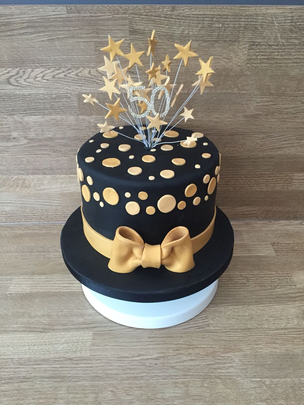 Birthday Cake Images Gold : Black and gold cake CAKES Pinterest Gold cake, Cake ...