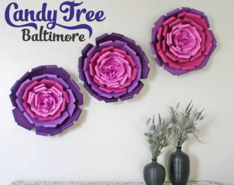 Gold paper flowers backdrop / Paper Flower by CandyTreeBaltimore