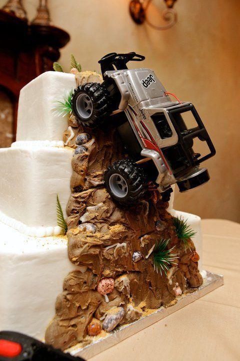 Best Wedding Cake Ever Jeep Wedding Cake Www Waltersweddingestates Com Only For Steven Of Course Cool Wedding Cakes Jeep Cake Jeep Wedding