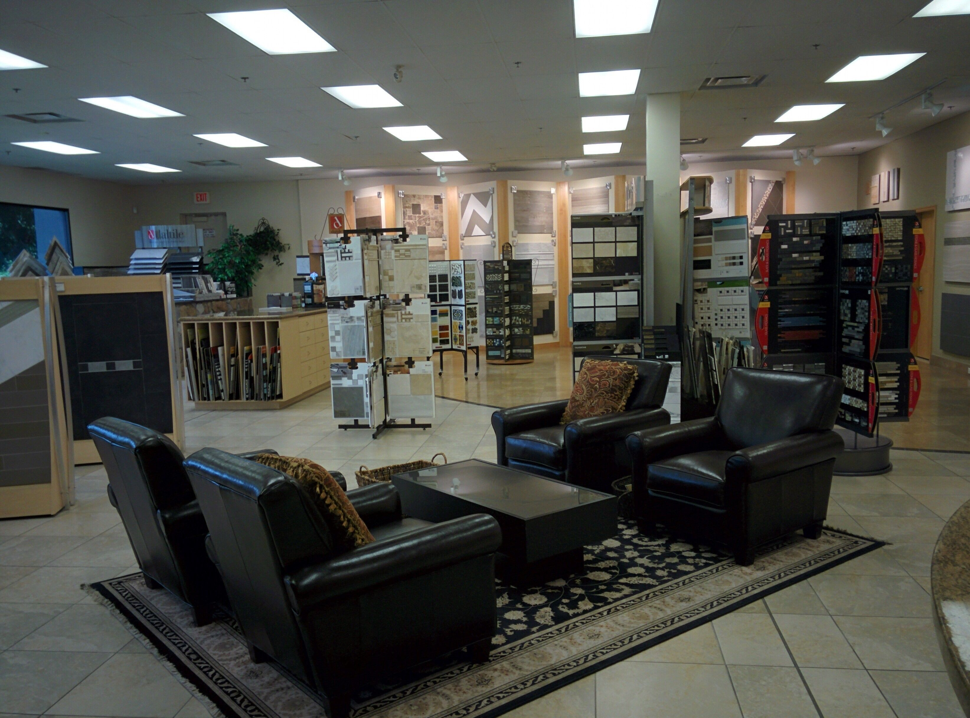 Showroom At At Daltile Vancouver Featuring Tile And Stone Mosaics From Daltile Americanolean And Others Daltile Olean Home Decor