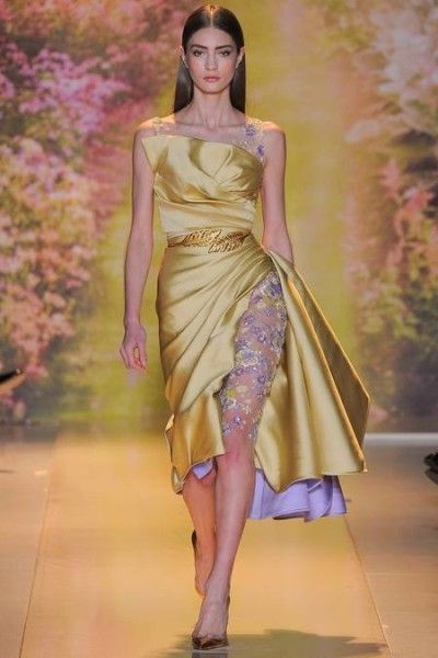 Pin By Egypt News Magazine مجلة أخبا On أزياء وموضة Fashion Gold Evening Dresses Couture Fashion