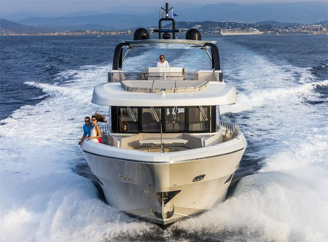 Oceanic Yachts 76 by Canados.
