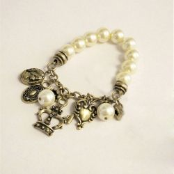 $7.62 Stunning and Elegant 5PCS Crown and Key Pendant Elastic Pearl Bracelets