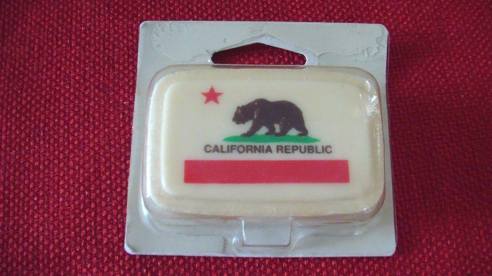 Interstate Apparel Mens American Cali Bear Flag Black Pullover Hoodie Sweater Black