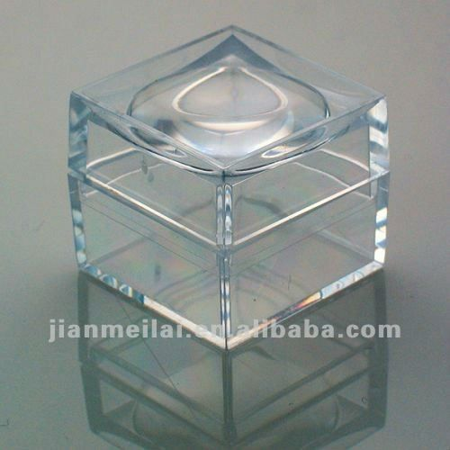 transparent acrylic box with lid