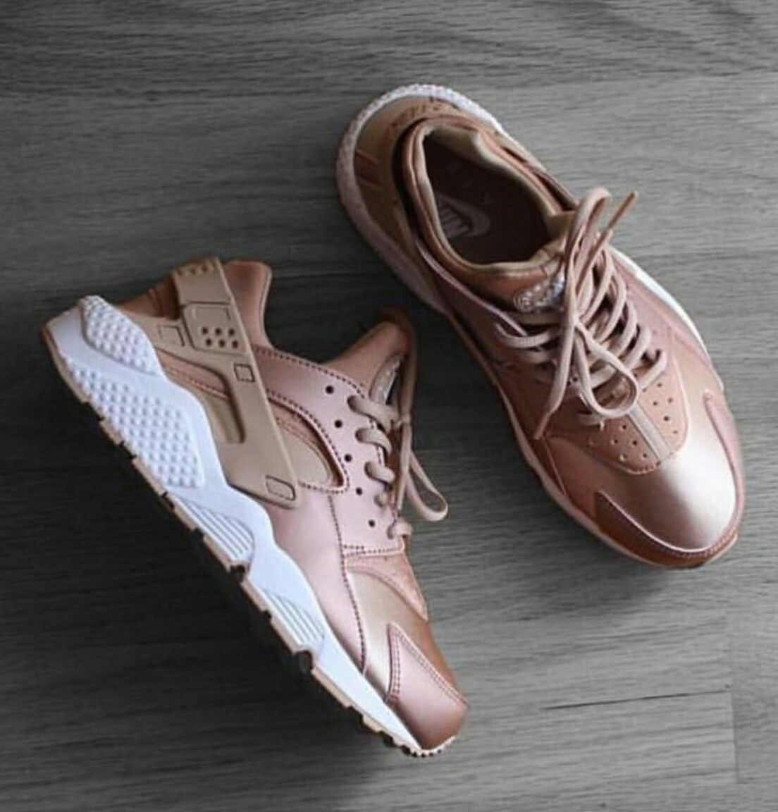 Nike Metallic Red Bronze Huaraches | Sneakers | Nike schuhe
