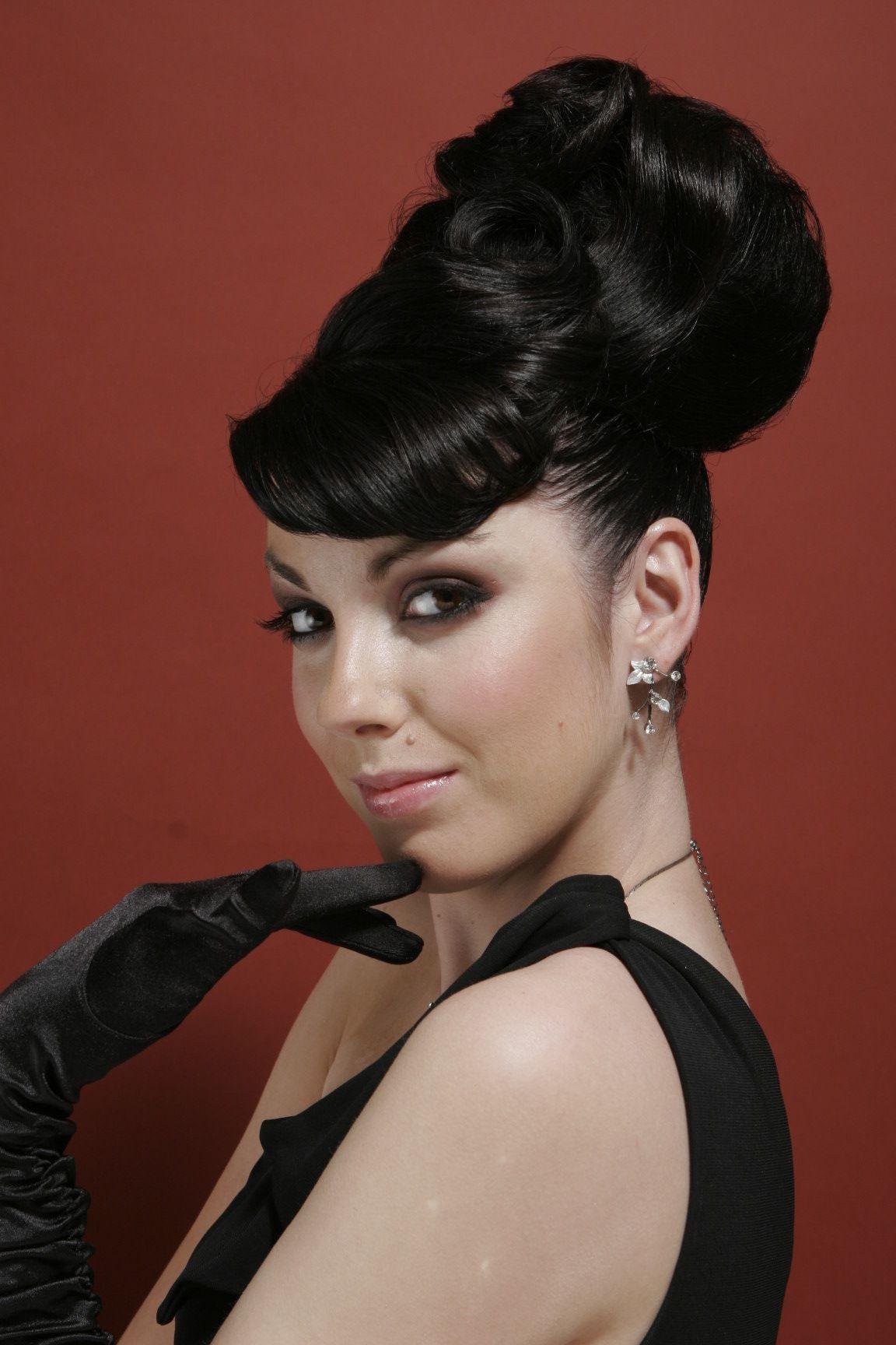 Audrey Hepburn Insired Look I Love A Bit Of Audrey Hair Makeup Hair Styles Audrey Hepburn