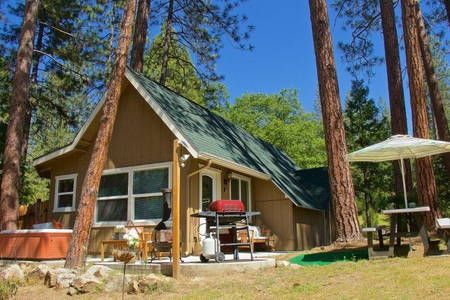 Natures Nook 15 Miles To Yosemite Apartments For Rent In Oakhurst Couples Retreats Oakhurst Apartments For Rent