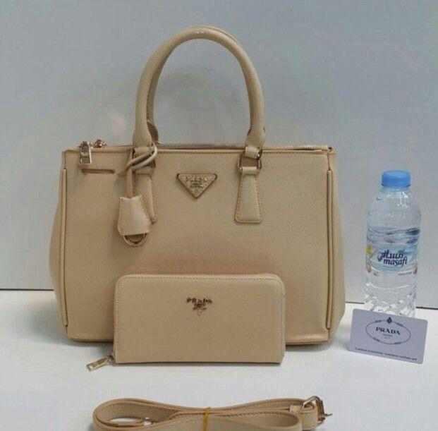 برادا كبير مع البوك 450 ريال Kate Spade Top Handle Bag Top Handle Bag Bags