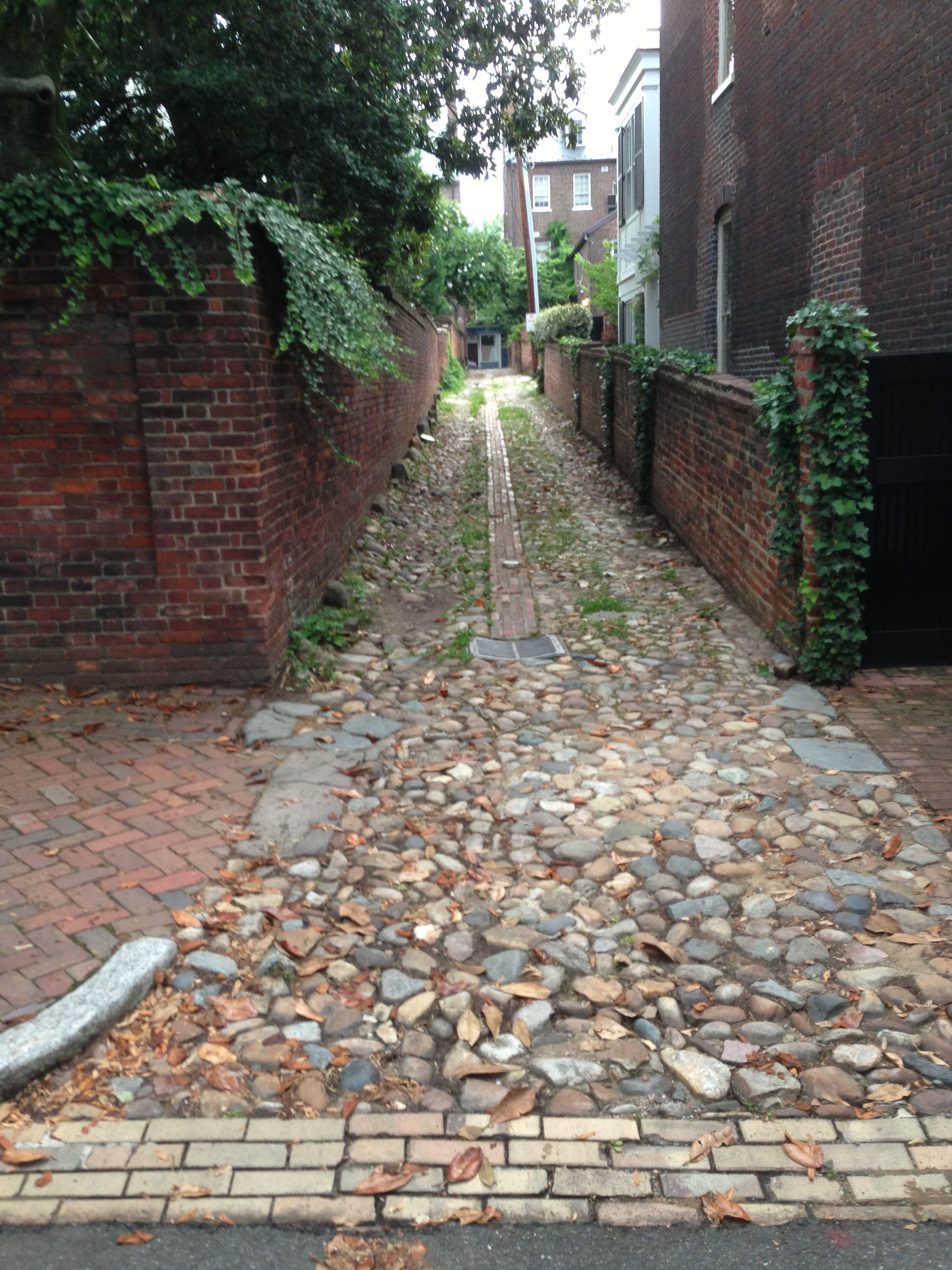 Cobble Stone Alley - Town Alexandria Va