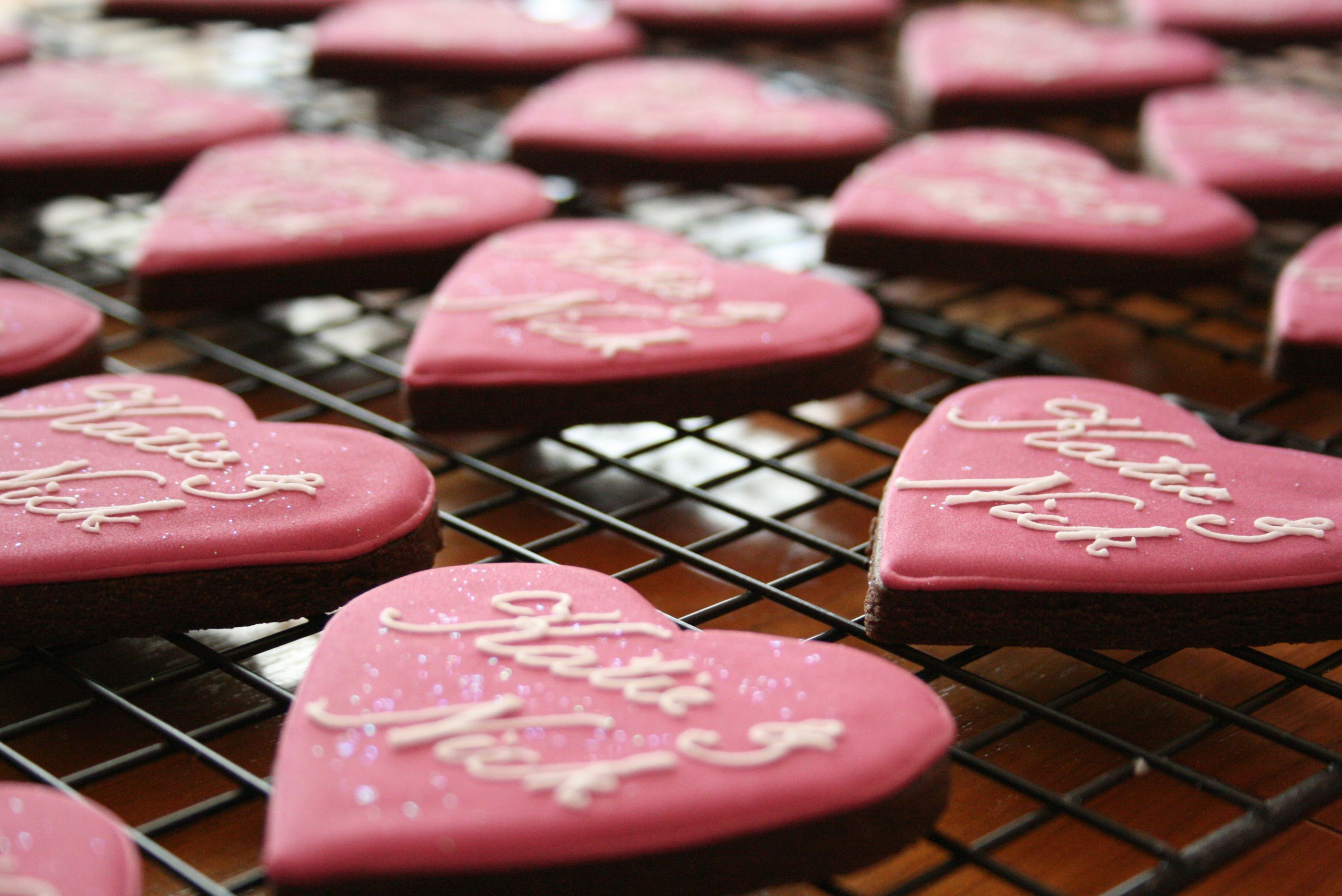 personalised biscuit wedding favour, cookie wedding favour, custom ...
