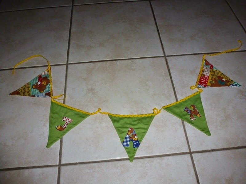 Wimpelkette aus Kissenhülle / Garland made from pillowcase / Upcycling