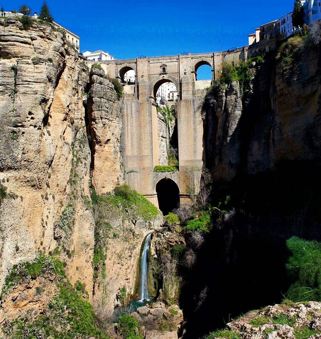 "The ""new"" bridge to old town.  #ronda #spain #españa #travel #architecture #photography #europe #rural #countryside #oldeurope #studyabroad #hiking #bridge #scenic #scenery #nature #waterfall #river #zen #beautiful #mountains #gorge #outside by soundaffects"