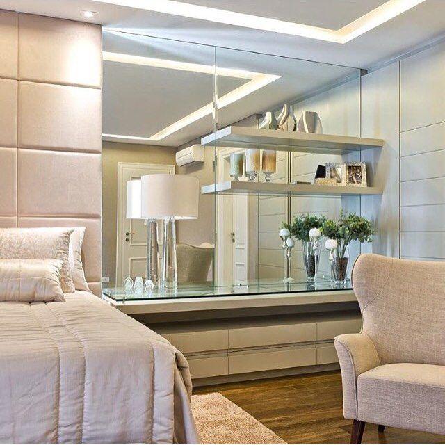 Boa noite!✨Sonhe com um quarto maravilhoso como esse.... By @hortaevello #ambiente #arquitetura #archdecor #arquiteturadeinteriores #home #homedecor #homestyle #style #iluminação #design #homedesign #luxury #interiores #bedroom #quartodecasal #suitecasal #instahome #instadecor #instadesign #interiordesign #produção#decoreseuestilo #designdecor #decoraçãodeinteriores #decorhome #decordesign #decoração #archdesign #detalhes #decorando