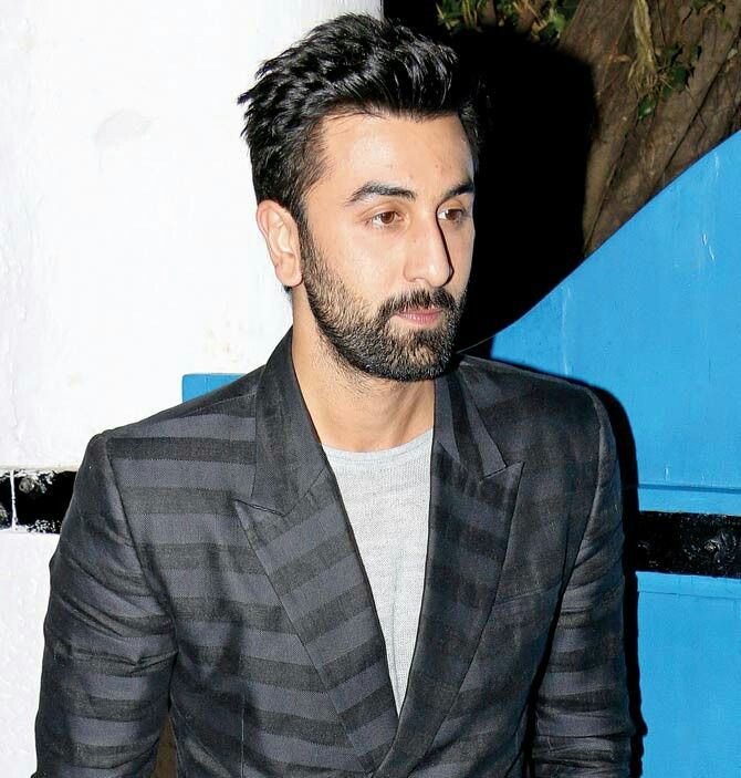 Ranbir Kapoor Surprises With New Look
