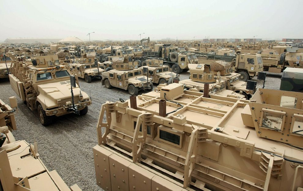 Desert Storm equipment Military vehicles, Military base