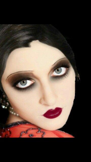 Red Lips | 1920s inspired makeup, Vintage makeup, Flapper ...