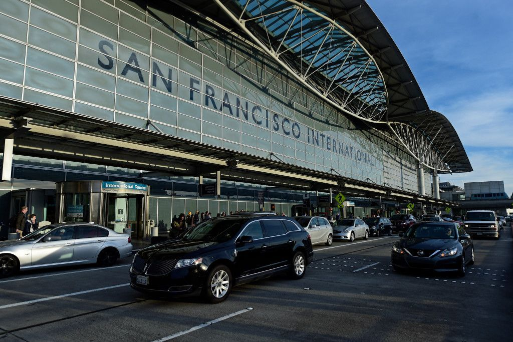 Commercial jetliner hit by laser on approach to SFO [Jason