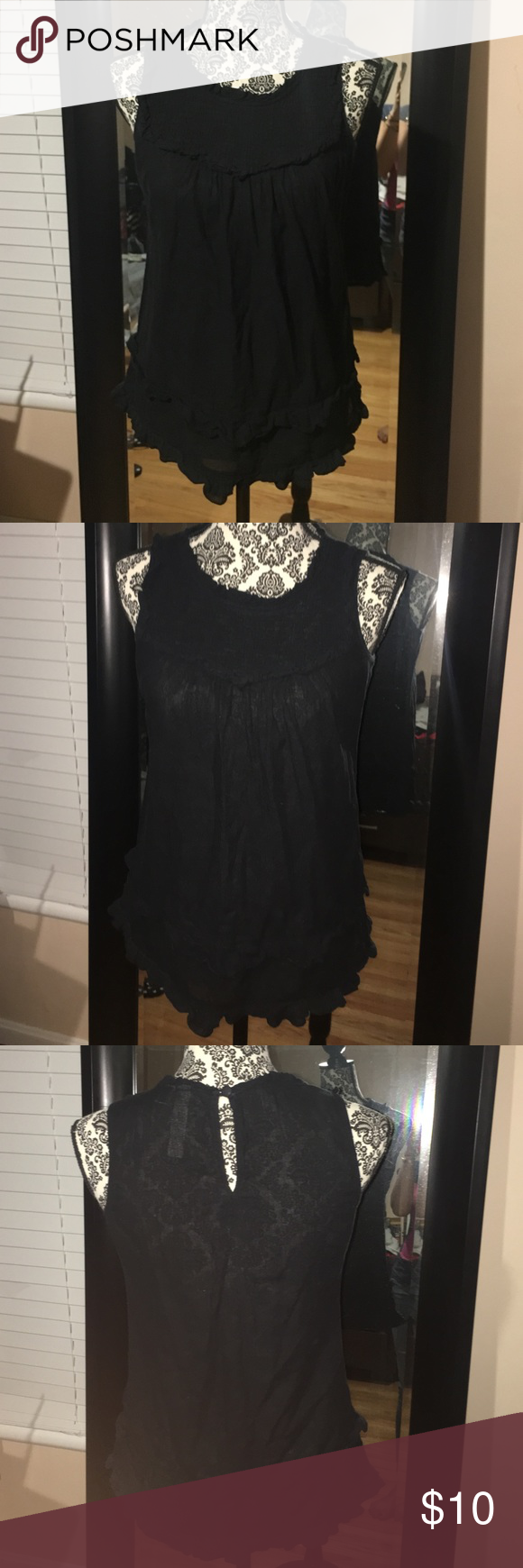 Light summer top Light and airy summer top. EUC, size medium. I always get lots of compliments when wearing this cute piece❤️ Eyeshadow Tops