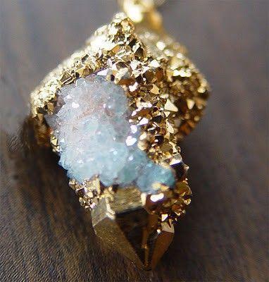 Resultado de imagem para gold crystals