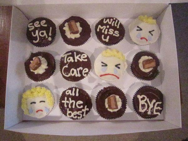 Goodbye Bon Voyage Farewell Cakes Cupcakes Gepind Door Www Hierishetfeest Com Goodbye Cake Farewell Cake Cupcake Cakes