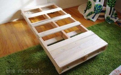 construire un lit pour vos enfants avec des palettes d co chambre de b b pinterest. Black Bedroom Furniture Sets. Home Design Ideas