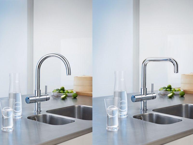 Gefilterd en gekoeld drinkwater uit de keukenkraan met de