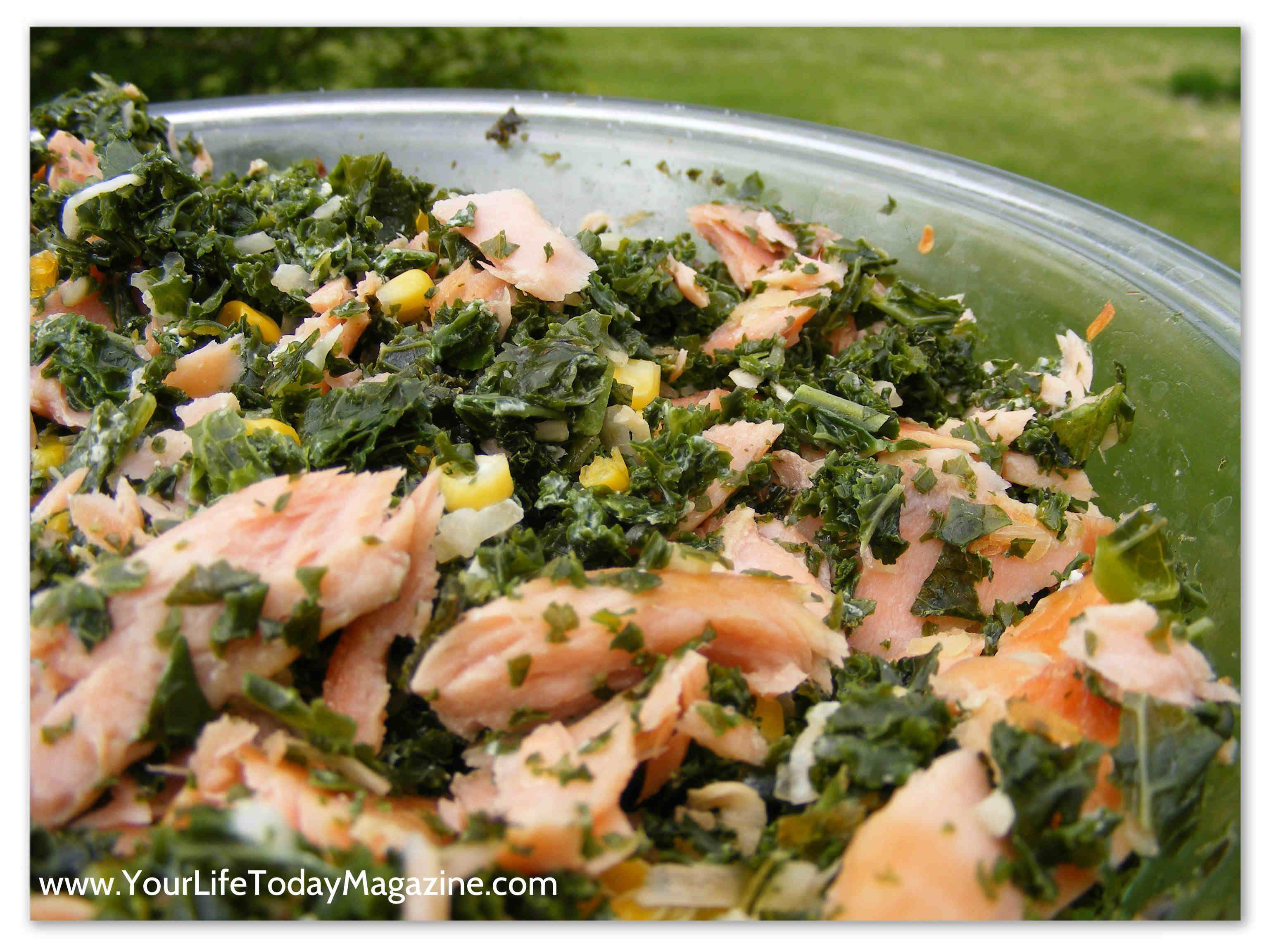 Salmon Salad with Sweet Corn and Kale