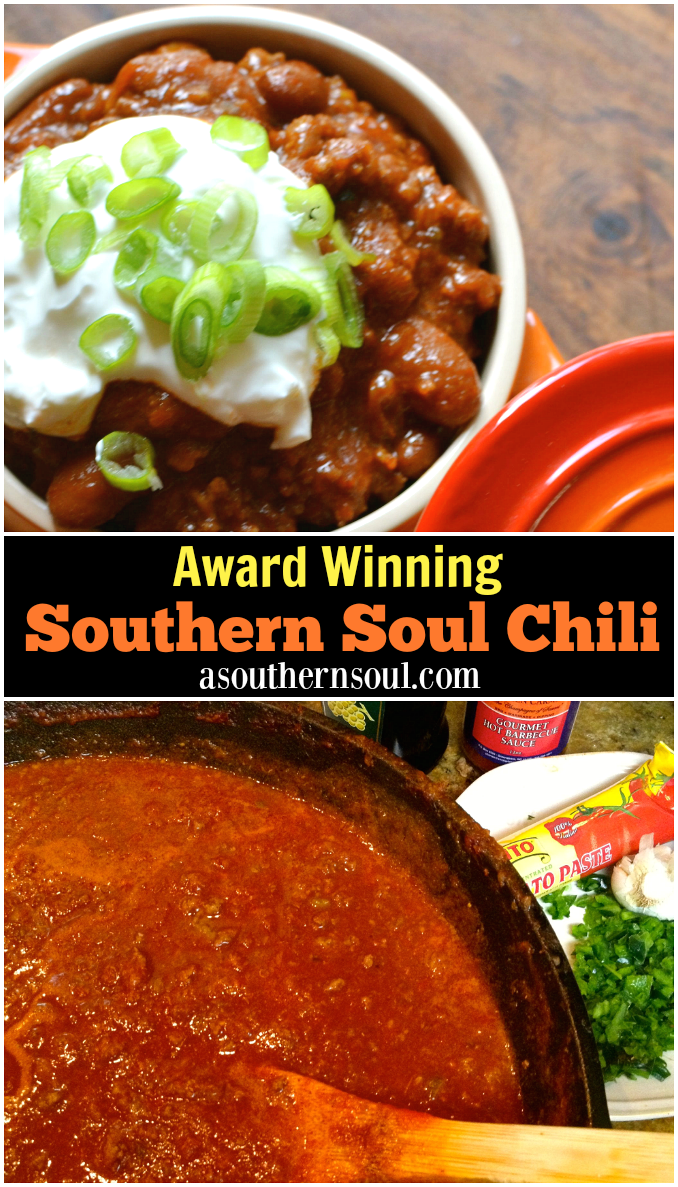 Award Winning Chili made with beef and sauce is loaded with amazing flavor! Perfect for tailgating, game day or when you're feeding a crowd. Simmered for hours, it's comfort food at it's BEST. #chili #awardwinningchili #comfortfood #beefchili